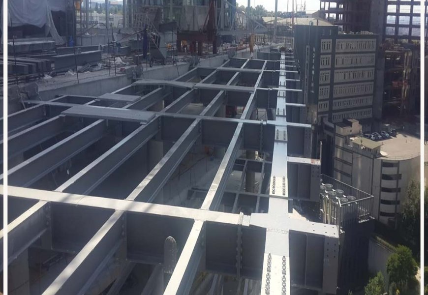 What are the reasons for choosing steel construction?